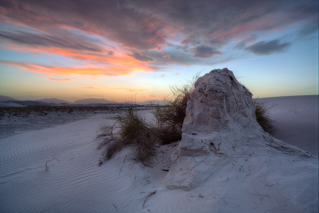 IMAGE: http://khb.smugmug.com/Landscapes/New-Mexico/White-Sands-2013-05-04/i-vCvwhN3/0/XL/5D3_2367_8_tonemapped-XL.jpg